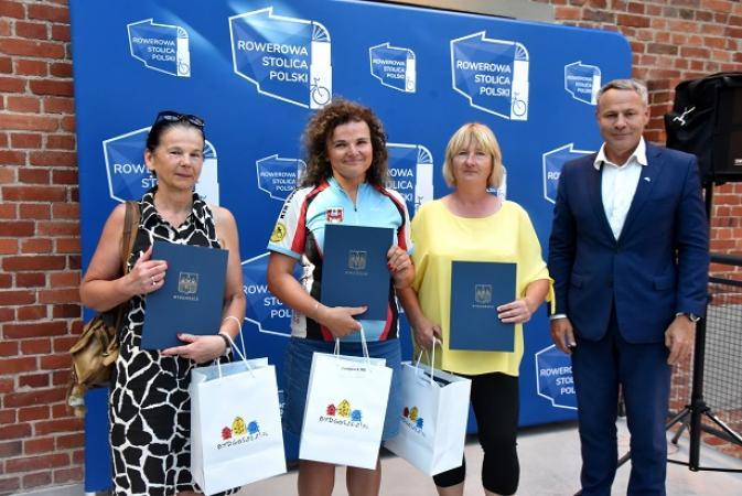 Najlepsi rowerzyści w Metropolii Bydgoszcz nagrodzeni
